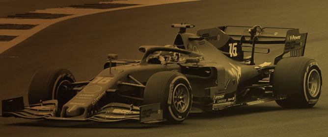 Aerodynamic Study of the Wake Effects on a Formula 1 Car